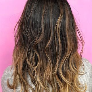 大人ハイライト 極細ハイライト ストリート セミロング ヘアスタイルや髪型の写真・画像