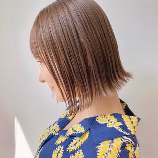 ショートヘア ミニボブ ナチュラル インナーカラー ヘアスタイルや髪型の写真・画像