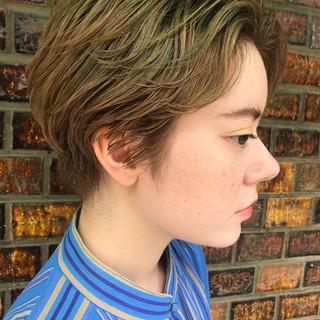 モード 透明感 ハイライト 抜け感 ヘアスタイルや髪型の写真・画像