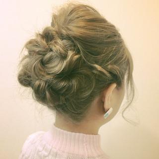 編み込み ヘアアレンジ セミロング 三つ編み ヘアスタイルや髪型の写真・画像