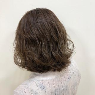 外国人風カラー グレージュ エレガント 圧倒的透明感 ヘアスタイルや髪型の写真・画像