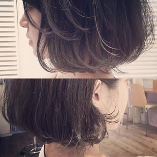 ボブ 暗髪 外国人風 ショート ヘアスタイルや髪型の写真・画像 ヘアスタイルや髪型の写真・画像