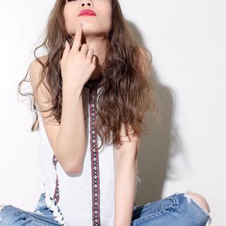 アッシュ 渋谷系 グラデーションカラー 外国人風 ヘアスタイルや髪型の写真・画像