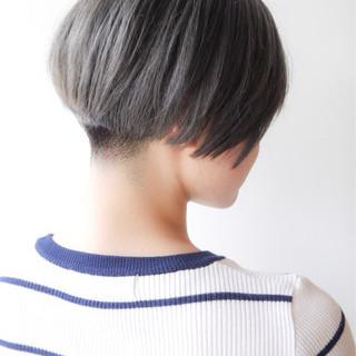 ショートボブ モード 刈り上げ ボブ ヘアスタイルや髪型の写真・画像