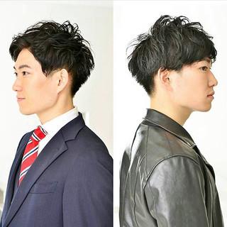 メンズヘア ナチュラル メンズカット 黒髪 ヘアスタイルや髪型の写真・画像