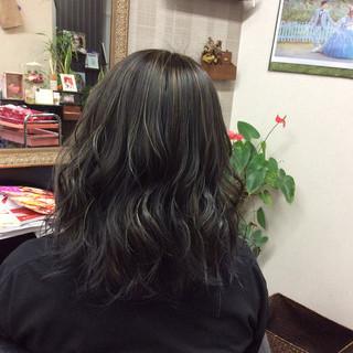 モード ミディアム ダブルカラー アッシュグレージュ ヘアスタイルや髪型の写真・画像