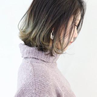 グラデーションカラー 外ハネボブ グレージュ 外国人風カラー ヘアスタイルや髪型の写真・画像