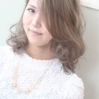 丸顔 渋谷系 逆三角形 ガーリー ヘアスタイルや髪型の写真・画像 ヘアスタイルや髪型の写真・画像
