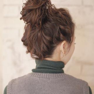 ミディアム フェミニン 簡単ヘアアレンジ ショート ヘアスタイルや髪型の写真・画像 ヘアスタイルや髪型の写真・画像