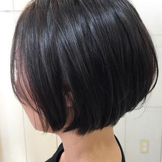 小顔ショート 束感 オフィス モード ヘアスタイルや髪型の写真・画像