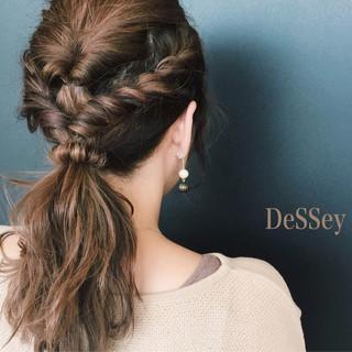 セミロング セルフヘアアレンジ 波ウェーブ ヘアアレンジ ヘアスタイルや髪型の写真・画像