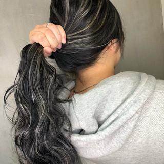 グレージュ バレイヤージュ ストリート グラデーションカラー ヘアスタイルや髪型の写真・画像
