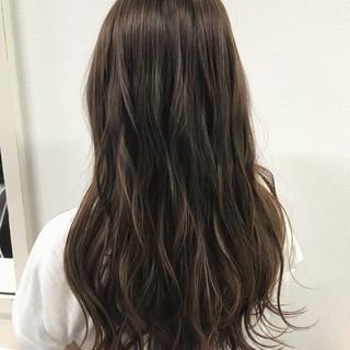 ピンク 波ウェーブ ベージュ コンサバ ヘアスタイルや髪型の写真・画像