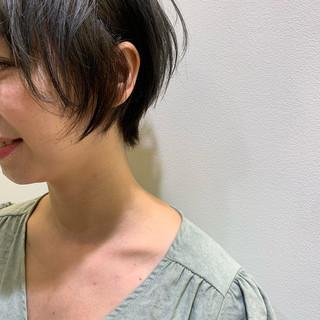 ショート ベリーショート インナーカラー モード ヘアスタイルや髪型の写真・画像