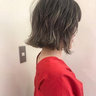 デート ナチュラル ロブ ブリーチ ヘアスタイルや髪型の写真・画像