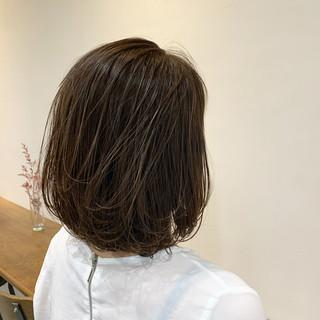 ボブ アンニュイほつれヘア 大人グラボブ ショートヘア ヘアスタイルや髪型の写真・画像