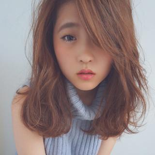 逆三角形 ミディアム 大人かわいい ゆるふわ ヘアスタイルや髪型の写真・画像
