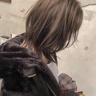 ダブルカラー バレイヤージュ ウルフカット ミディアム ヘアスタイルや髪型の写真・画像