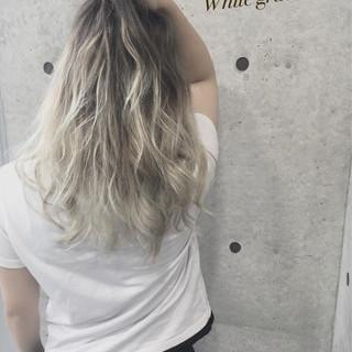 渋谷系 ホワイト グラデーションカラー 外国人風 ヘアスタイルや髪型の写真・画像 ヘアスタイルや髪型の写真・画像
