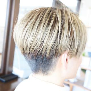 韓国ヘア ショート ハイトーンカラー メンズ ヘアスタイルや髪型の写真・画像