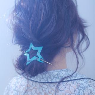 ヘアアレンジ セミロング アンニュイ 結婚式 ヘアスタイルや髪型の写真・画像