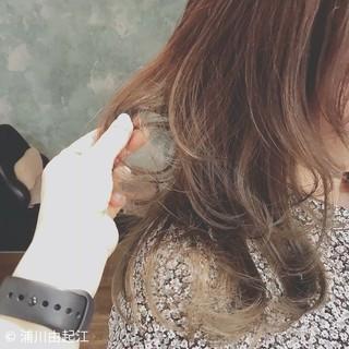 エレガント 大人かわいい アンニュイほつれヘア デート ヘアスタイルや髪型の写真・画像 ヘアスタイルや髪型の写真・画像