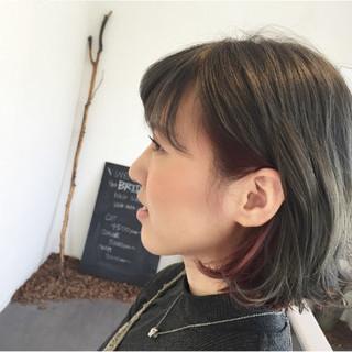 耳かけ ピンク グレージュ インナーカラー ヘアスタイルや髪型の写真・画像