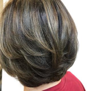 ベージュ エレガント ブリーチカラー ブリーチオンカラー ヘアスタイルや髪型の写真・画像