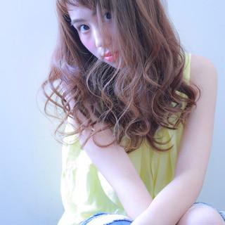 フェミニン デート ロング アンニュイ ヘアスタイルや髪型の写真・画像