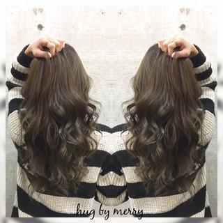 大人かわいい ハイライト アッシュ ナチュラル ヘアスタイルや髪型の写真・画像