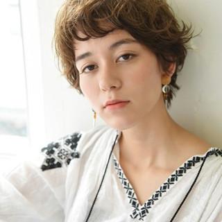 ベリーショート 前髪あり ゆるふわ パーマ ヘアスタイルや髪型の写真・画像