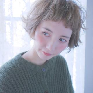 アッシュ ダブルカラー ショート 前髪あり ヘアスタイルや髪型の写真・画像