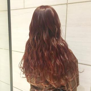 ロング ピンクカラー ブリーチなし 3Dハイライト ヘアスタイルや髪型の写真・画像