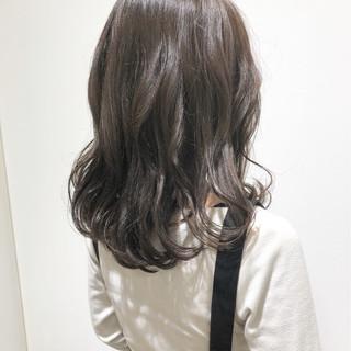 グレージュ モテ髪 ゆるふわ 透明感 ヘアスタイルや髪型の写真・画像