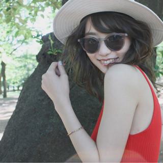 アンニュイ 簡単ヘアアレンジ レイヤーカット ミディアム ヘアスタイルや髪型の写真・画像