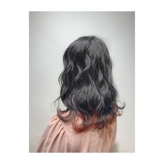 インナーカラー ピンクバイオレット 春 ミディアム ヘアスタイルや髪型の写真・画像