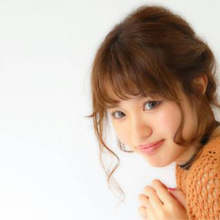 フェザーバング フェミニン ヘアアレンジ 簡単ヘアアレンジ ヘアスタイルや髪型の写真・画像