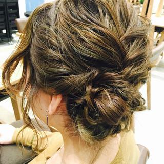ミディアム 外国人風 レイヤーカット ヘアアレンジ ヘアスタイルや髪型の写真・画像 ヘアスタイルや髪型の写真・画像