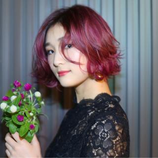 ボブ フェミニン ピンク 外ハネ ヘアスタイルや髪型の写真・画像
