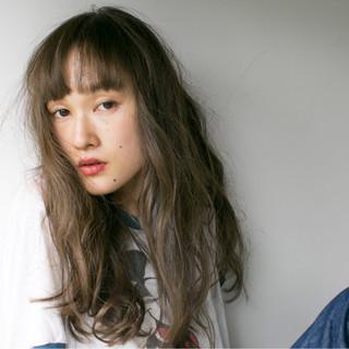 ストリート ロング 外国人風 ワイドバング ヘアスタイルや髪型の写真・画像