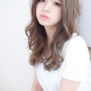 セミロング ゆるふわ カール 大人女子 ヘアスタイルや髪型の写真・画像 ヘアスタイルや髪型の写真・画像