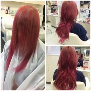 グラデーションカラー レッド ピンク 外国人風 ヘアスタイルや髪型の写真・画像