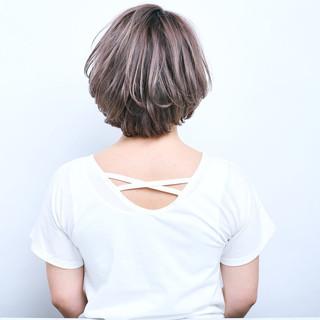 まとまるボブ 透明感 ブリーチカラー モード ヘアスタイルや髪型の写真・画像