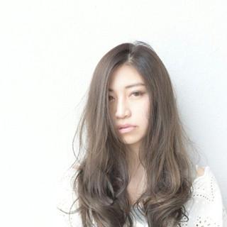 デート 冬 グレージュ パーマ ヘアスタイルや髪型の写真・画像 ヘアスタイルや髪型の写真・画像