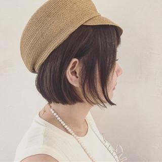 ボブ 切りっぱなし ハット ショートボブ ヘアスタイルや髪型の写真・画像