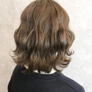 ダブルカラー ハイトーン ハイライト ミディアム ヘアスタイルや髪型の写真・画像