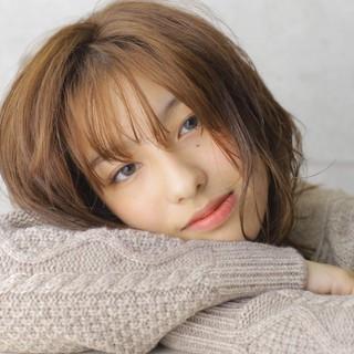 前髪あり ナチュラル 秋冬スタイル ミディアム ヘアスタイルや髪型の写真・画像