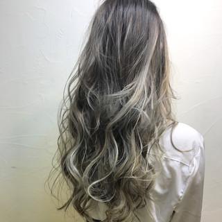 上品 外国人風カラー ロング ダブルカラー ヘアスタイルや髪型の写真・画像