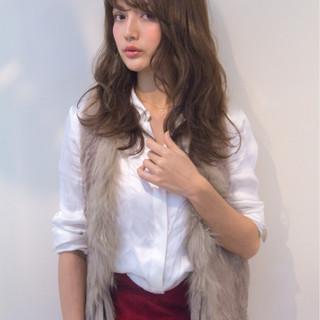 フェミニン イルミナカラー ナチュラル ミディアム ヘアスタイルや髪型の写真・画像