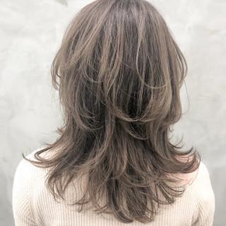 ハイライト ニュアンスウルフ ウルフ女子 大人ハイライト ヘアスタイルや髪型の写真・画像